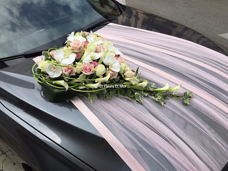 beautiful dcoration voiture des maris with noeud voiture. Black Bedroom Furniture Sets. Home Design Ideas