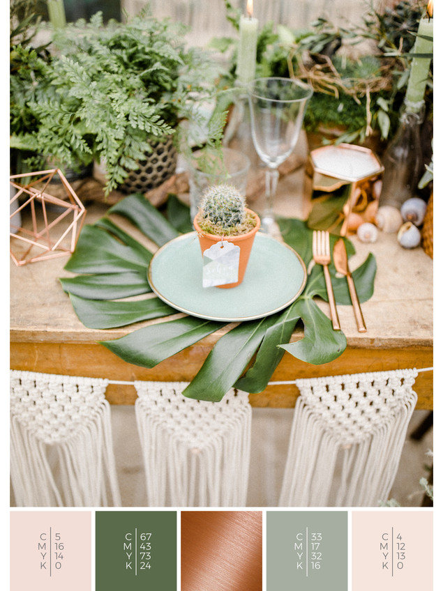 These wedding favors for guests fit to the color scheme palette in green, blush and copper. DIY for your wedding in spring.