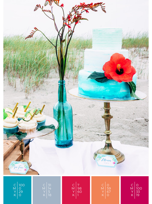 "The sweet table of the wedding mood board ""Tropical Teal"" fits to a color scheme palette in shades of turquoise, pink, coral, orange and red."