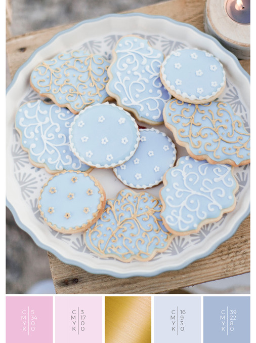 "The wedding sweets of the wedding mood board ""Romantic River"" fits to a color scheme palette in shades of pink and blue."