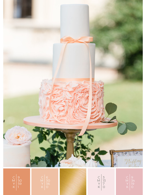 """The wedding cake of the wedding mood board """"Briar Rose"""" fits to a color scheme palette in shades of coral, pink and orange."""