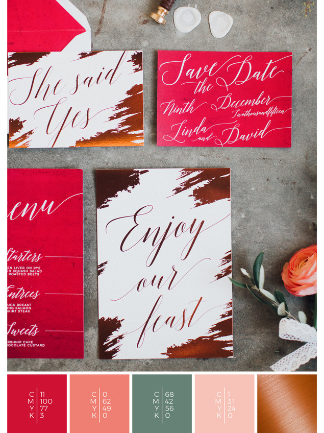 This wedding stationery for a vault wedding fits perfectly to a modern wedding style in shades of red, coral and copper.