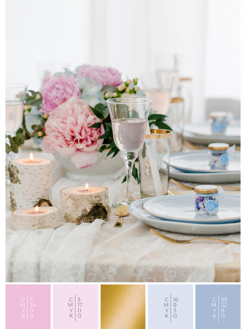 "This wedding table decoration of the wedding mood board ""Romantic River"" has a color scheme palette in shades of pink and blue."