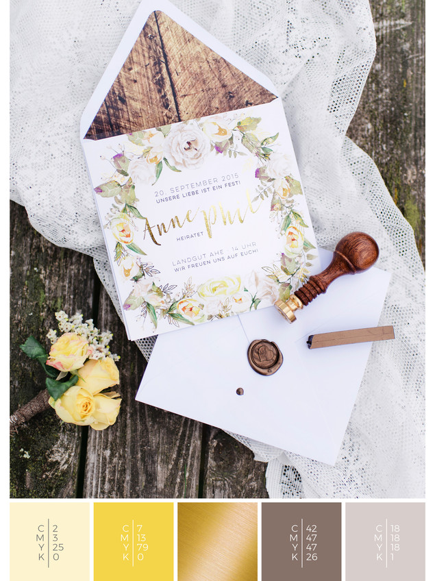 This wedding invitation for a barn wedding fits perfectly to a vintage wedding style in shades of yellow.