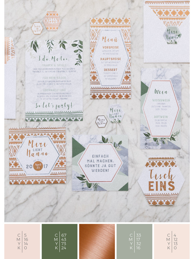This wedding stationery for a glass house wedding fits perfectly to a boho wedding style in shades of green, blush and copper.