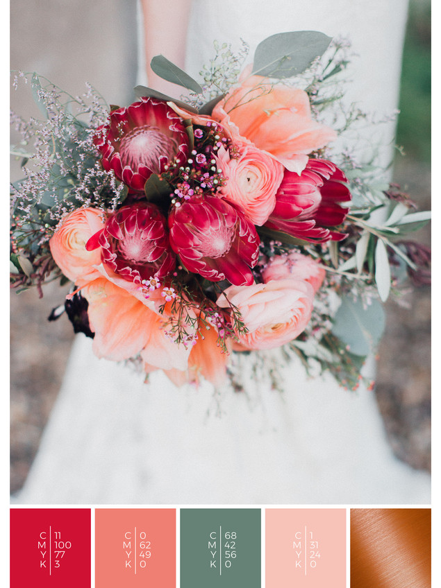 """The bridal bouquet of the wedding mood board """"Copper Crush"""" has a color scheme palette in shades of red, coral and copper."""