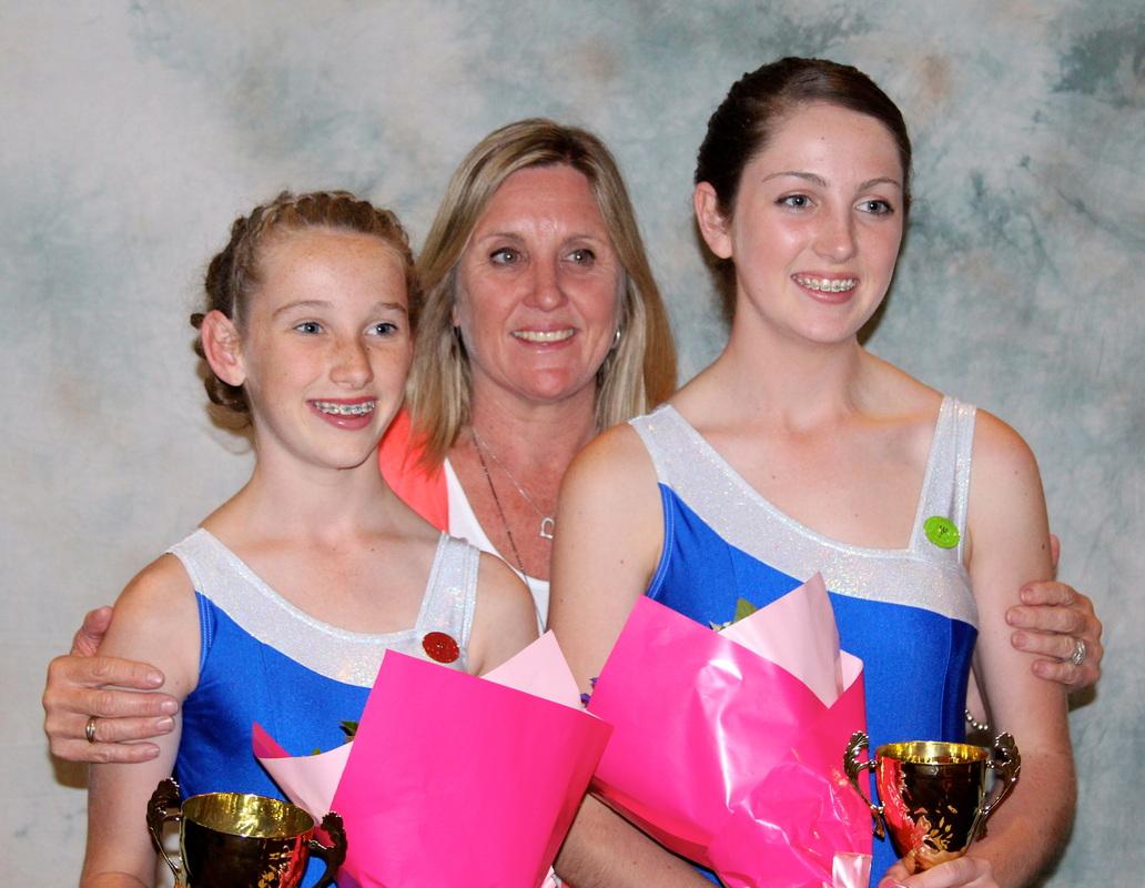 Mothers & daughter sport