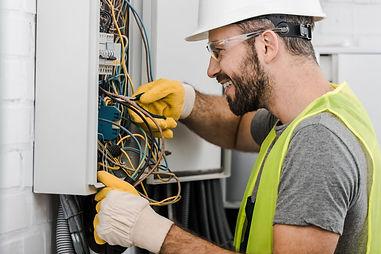 level2_electricianvsordinary_electrician