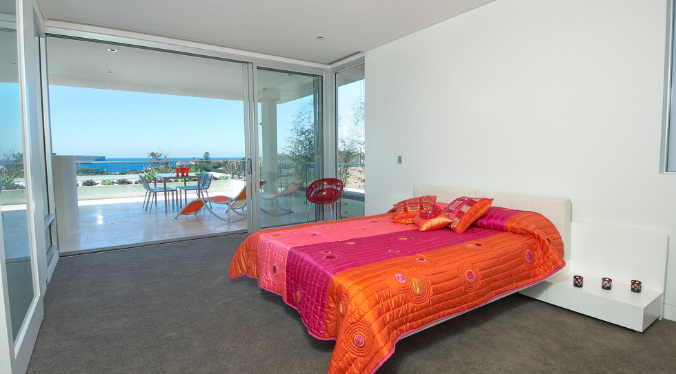 Bedroom to Balcony Parr18A-20.jpg