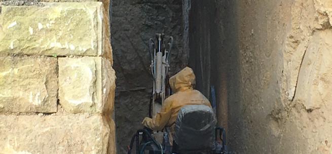 4 - Narrow excavation.JPG