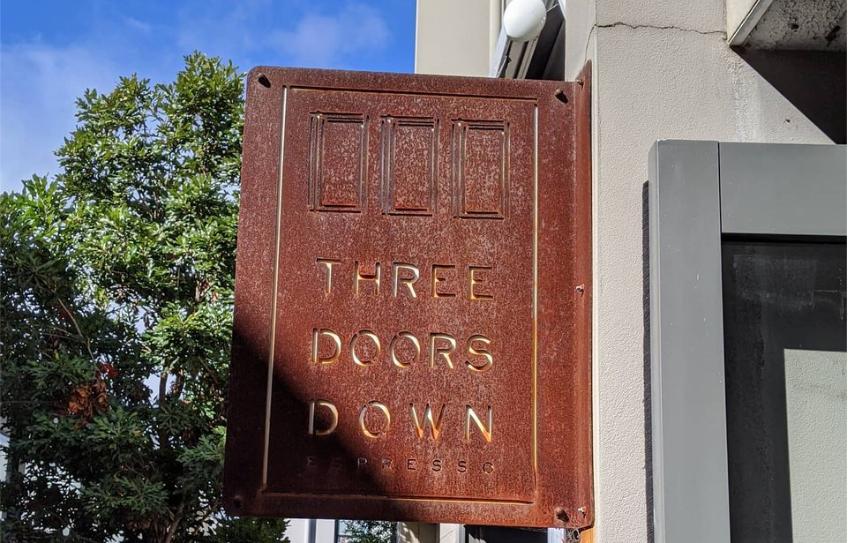 24 Waratah - Three Doors Down Espresso.P