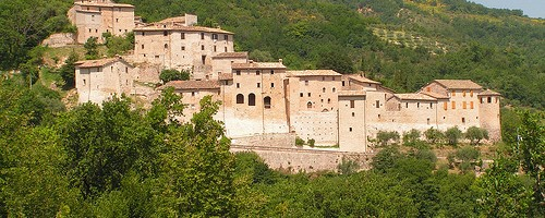Castle_of_Vestignano-500x200