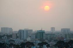 the milky white skies of Sai Gon