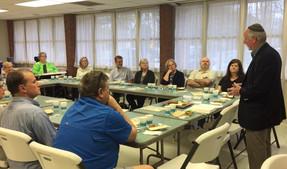 Rabbi Lowey sharing Passover Seder with LFUCC congregants