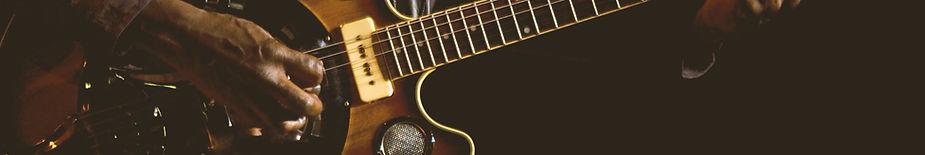 Suonare una chitarra elettrica