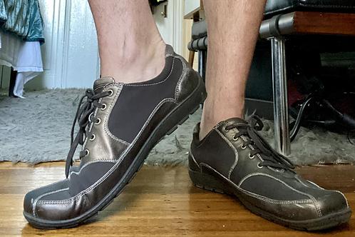 Donald J Pliner Sneakers