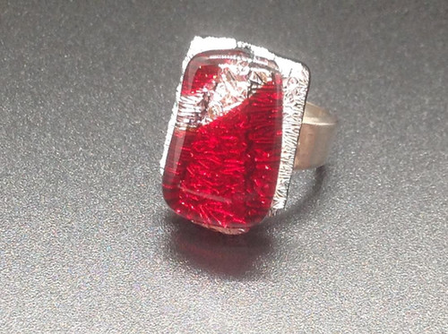 Red on Silver Crinkle Dichro Ring