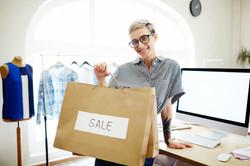 clothes-sale_1098-13765