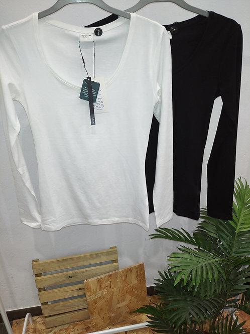 Camiseta AVA