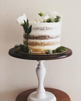 Lindo bolinho todo branco hoje!!! #caked