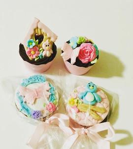 Pirulitos e mini Cupcakes jardim! ._._._