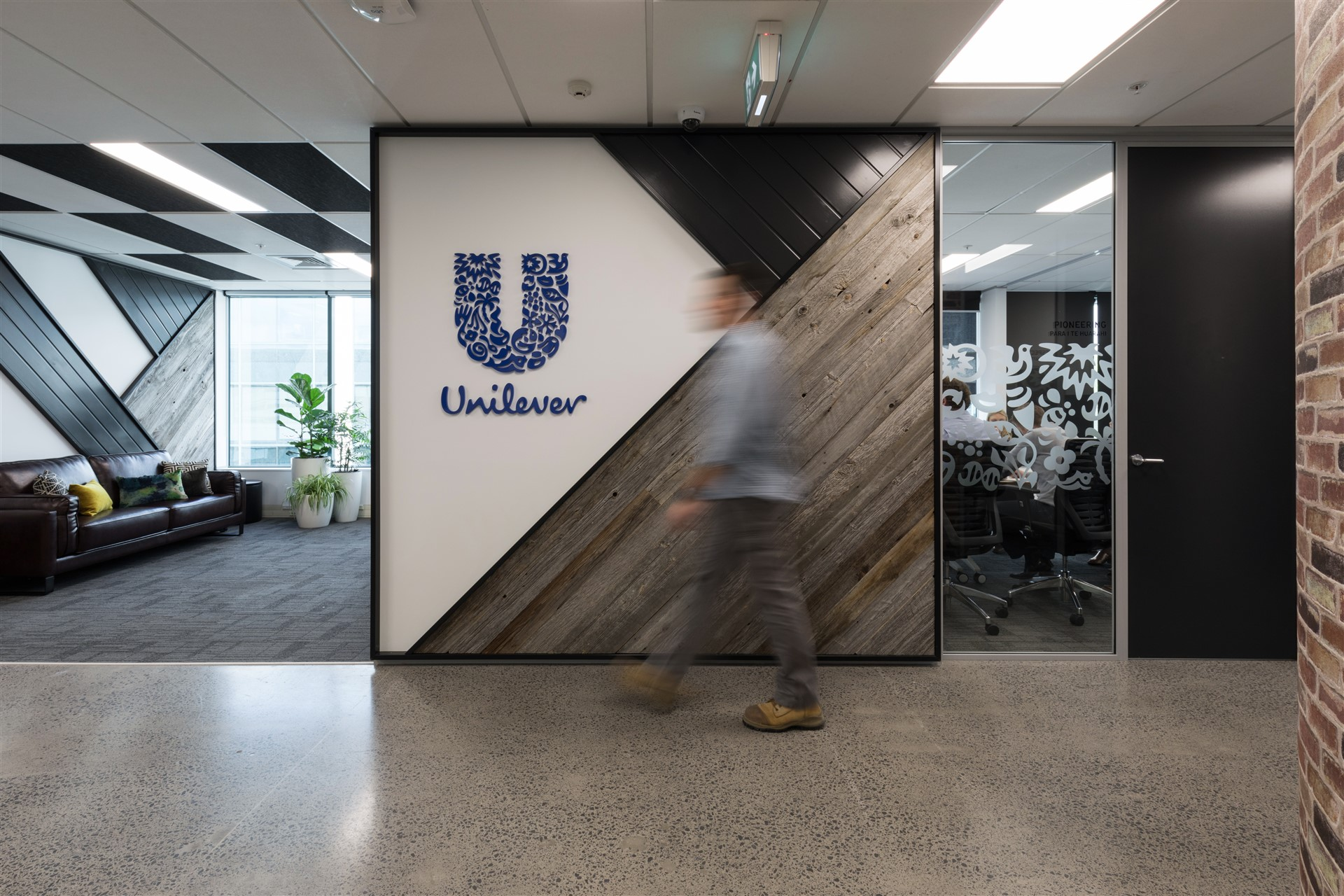unilever-fitout-reception-1
