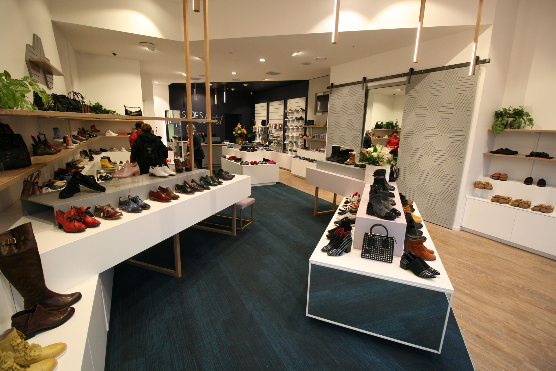 Shoe-shop-fitout-Queenstown-6