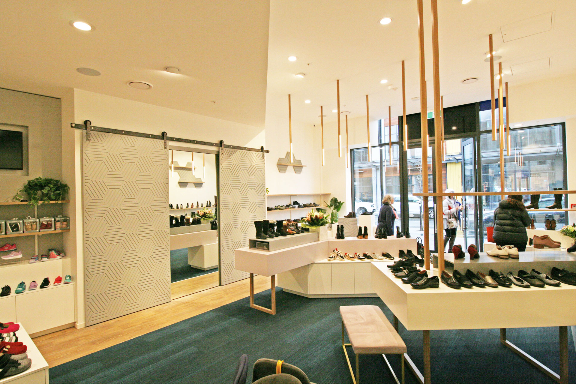 Shoe-shop-fitout-Queenstown-3