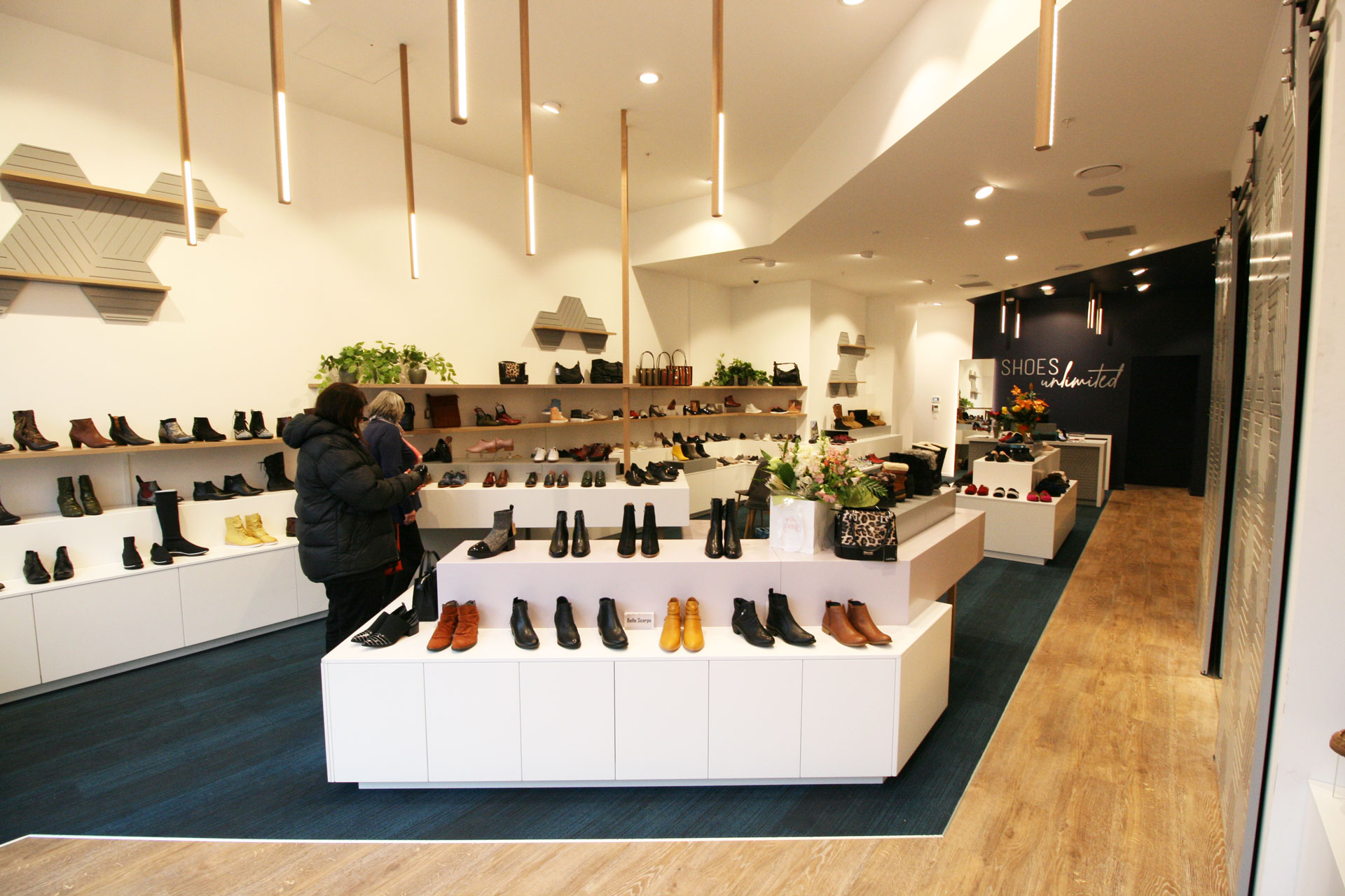 Shoe-shop-fitout-Queenstown-1