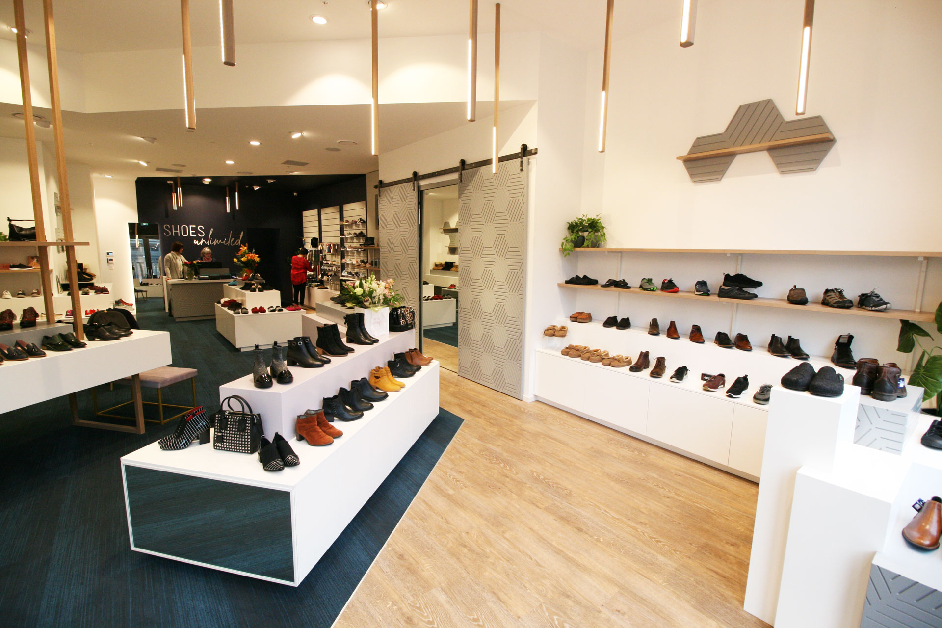 Shoes-shop-fitout-Queenstown