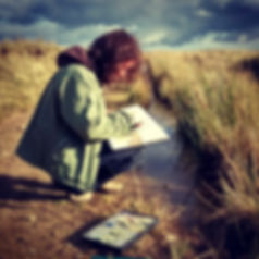 Artist Gale Rogers working en plein air