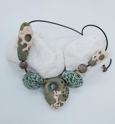 Faux Petoskey stone necklace (green)