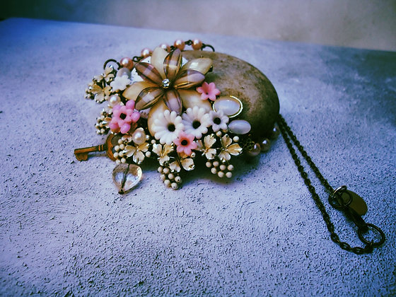 Floral collage pendant in pink and white