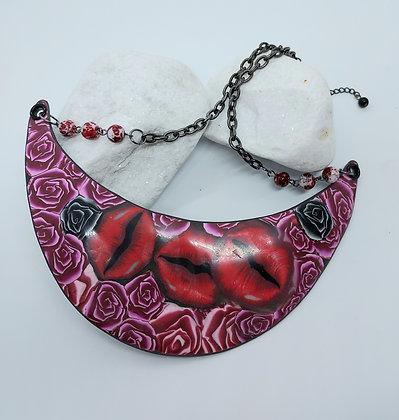 Rose & Lips Collar
