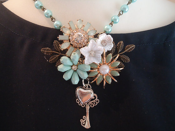 Floral turquoise & silver tones pendant necklace