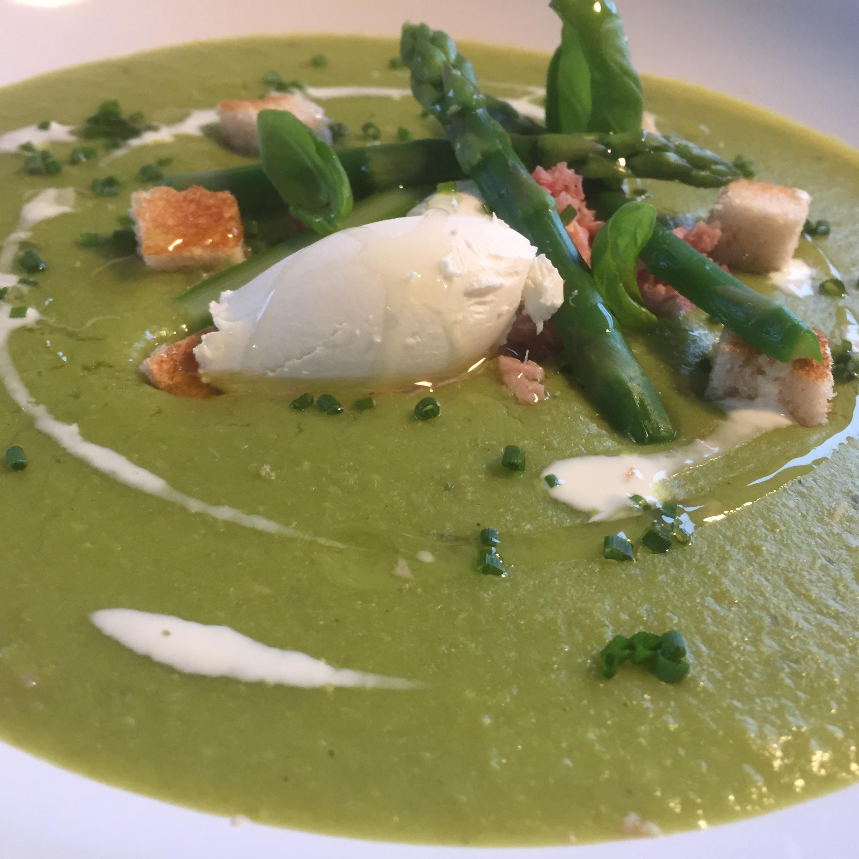 Pea, Ham Hock & Asparagus Soup