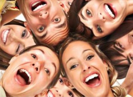 La risa, una medida de la felicidad laboral y una causa de la performance empresarial