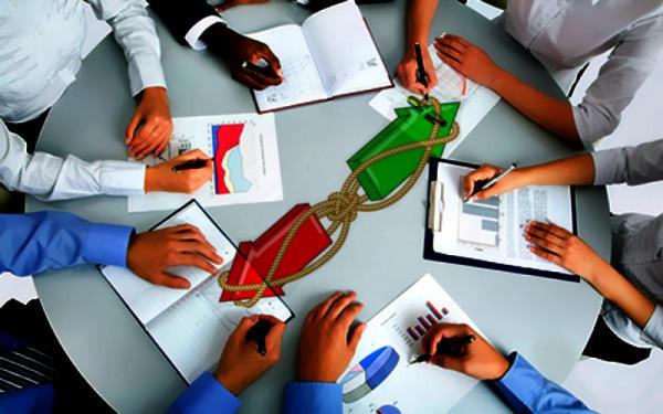mesa de trabajo, flechas, rumbo, reunión