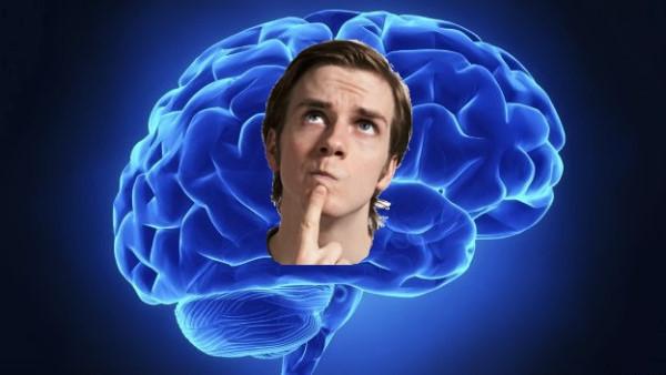 cerebro iluminado, hombre pensando