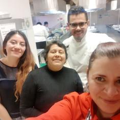 Gran equipo de trabajo en cocina 2018.jpg