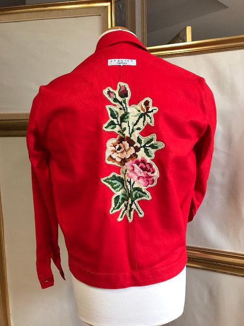 Veste de travail rouge à fleurs