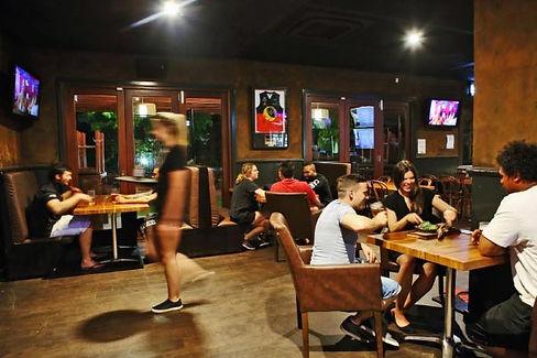 home-img-restaurant.jpg
