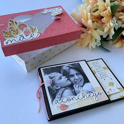 Caixa dia das Mães com mini álbum