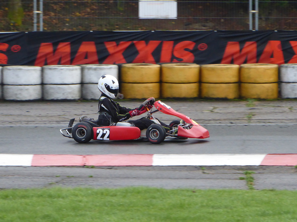 Turn 2 in practice, first time on wet tyres.