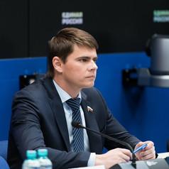 Сергей Боярский берется защитить островки в торговых комплексах