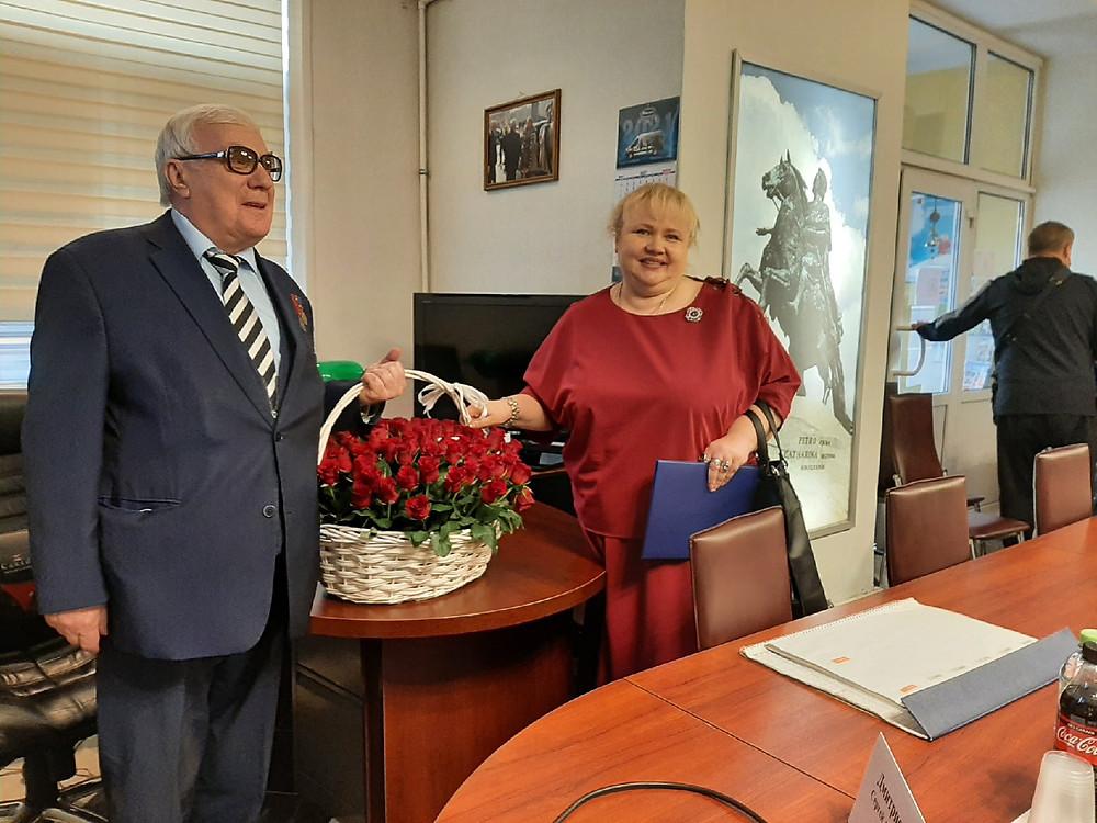 Роман Пастухов и Янина Гришина, которая сказала, что Союз - старший товарищ для более молодых предпринимательских объединений и хороший пример.