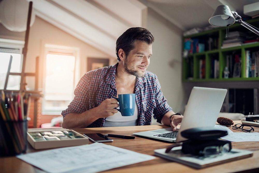 В самозанятые идут люди творческих и рабочих профессий