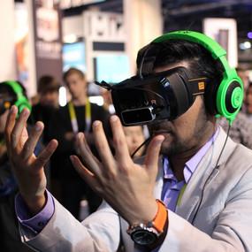 Виртуальная реальность берется за  образование