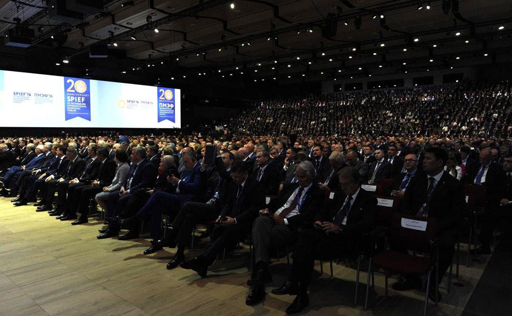В прошлые годы на ПМЭФ приезжали десятки тысяч гостей из более, чем 140 стран