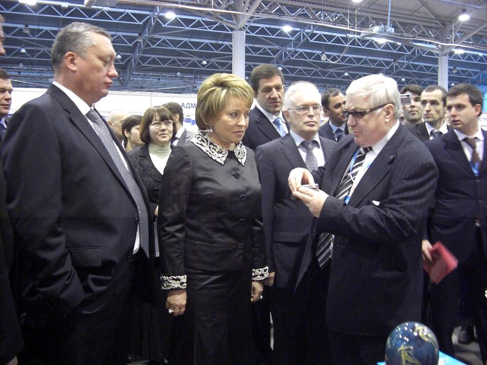 На Форуме у стенда Союза с Валентиной Матвиенко